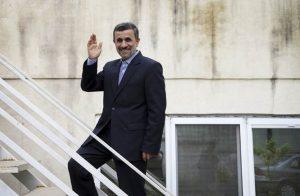هدف محمود احمدی نژاد از نقد حاکمیت چیست و چرا او را تحمل می کنند؟